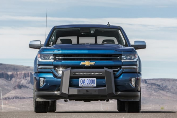 Black Horse Off-Road Armour Bull Bar protects a vehicle's front end from damage 10