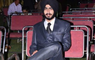 Young Indian Who Overcame Depression and Went On To Be A Successful Motivational Blogger 4