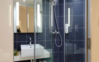 Buying Brand New Shower Doors Like a Grown-Up 6