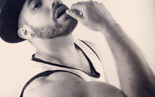 "LatinX Indie pop artist Dario Black ""bares it all"" in his new music video 5"