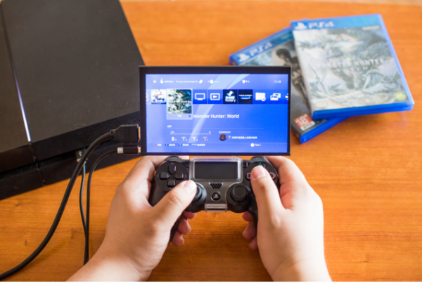 TOPO Gamepad Mountable Screen Launches on Kickstarter to Allow Gamers to Play Anywhere 1
