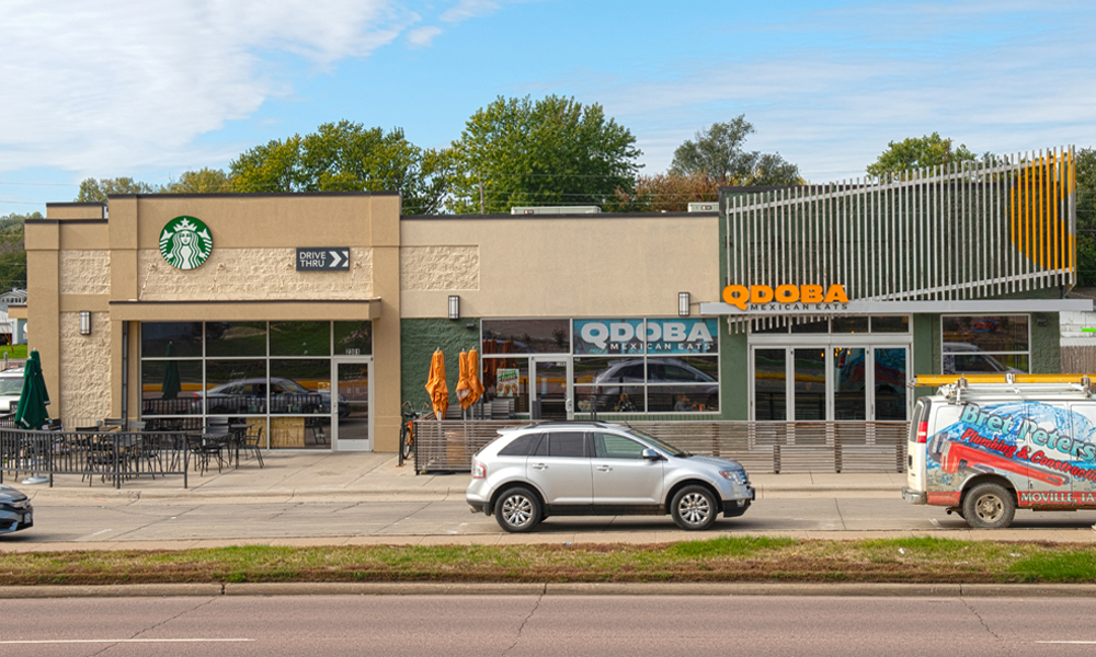 Hanley Investment Group Arranges Sale of Two-Tenant Starbucks and QDOBA Retail Property in Sioux City, Iowa 1