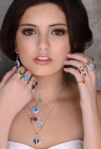 Star Alex: The Fashion Model That Society Needs 1