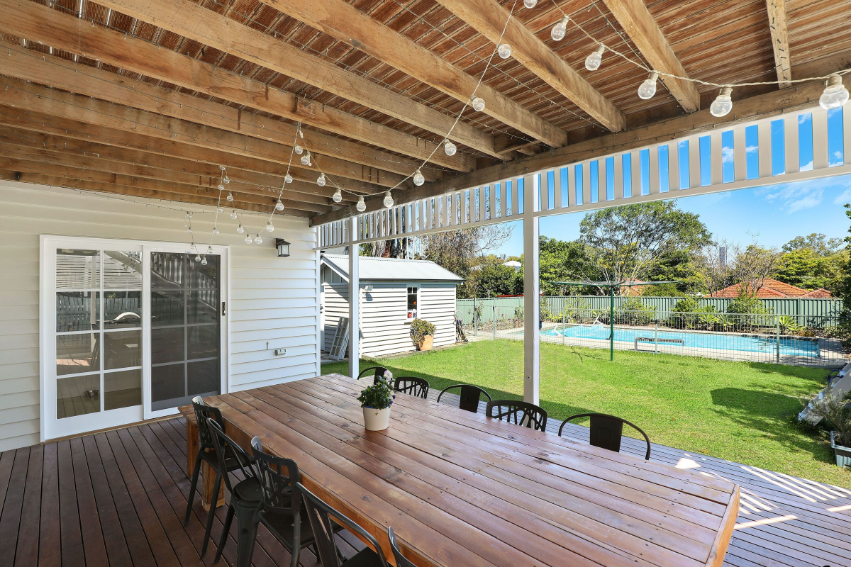 A Home's Patio Impacts a Guest's First Impressions 1