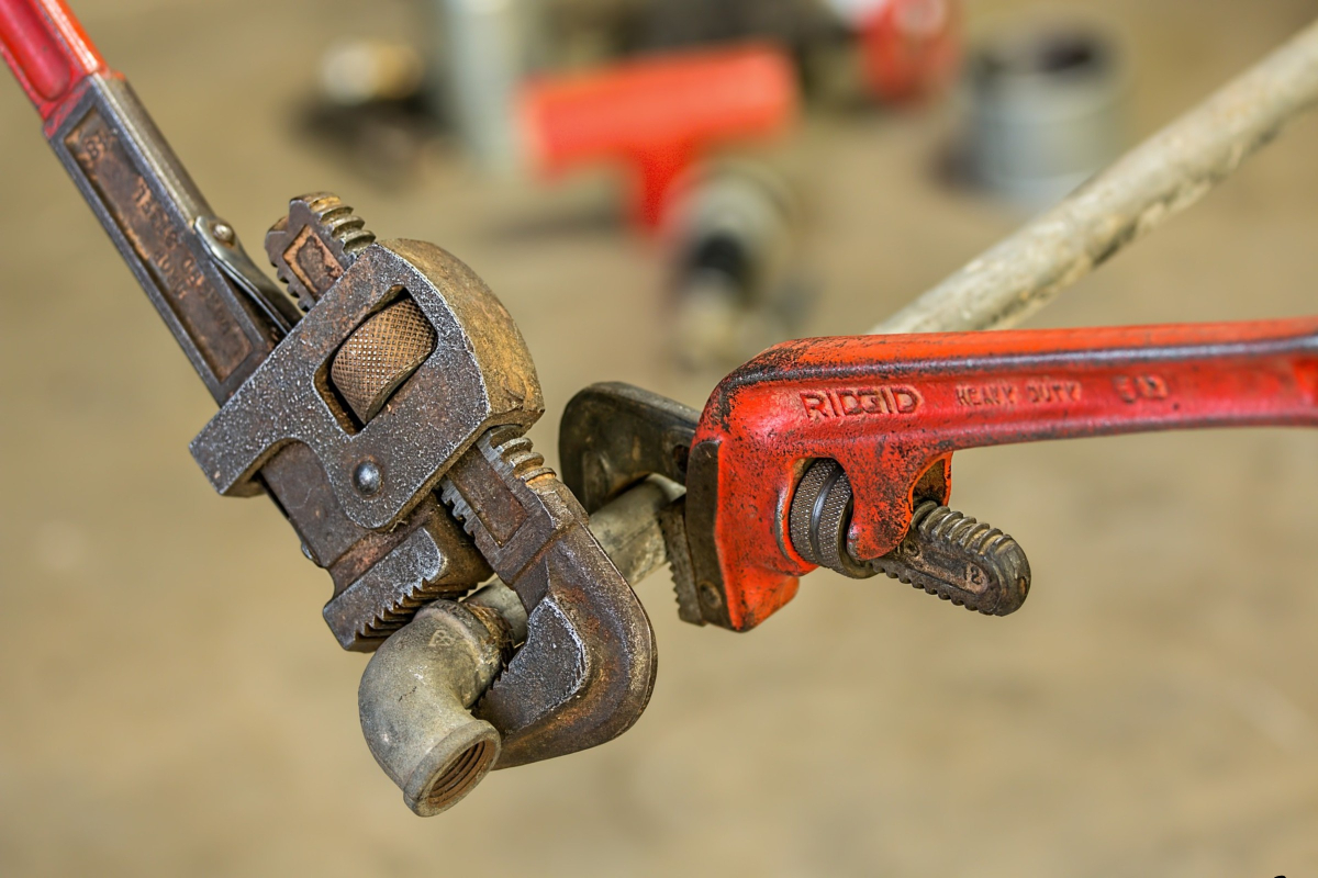 Professional Plumbers Provide Communities with an Important Service 1