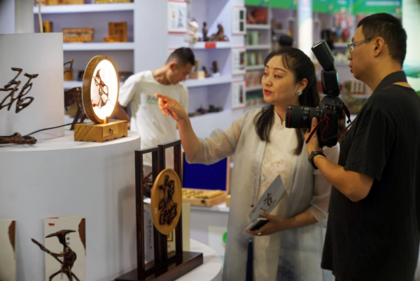 """""""Leshan Gifts"""" Stand Out at the 5th China (Sichuan) International Tourism Investment Conference and the 6th Sichuan International Travel Expo 6"""