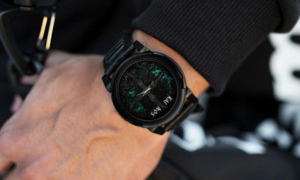 Italian company launches FIRST anti-time watch on Indiegogo that measures emotions 2