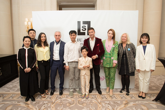 LIU LISI Haute Couture retrospective collection was successfully held in Paris 1