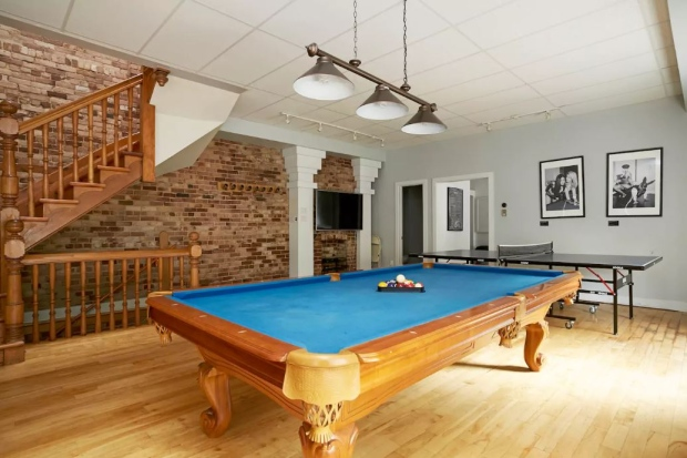 Billiard and Pool Tables A Key Factor In Increasing Rent Prices For Air Bnb Owners 1