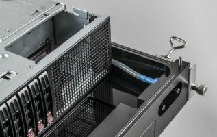 Schneider Electric reveals industry's first chassis-based immersive cooling server rack 4