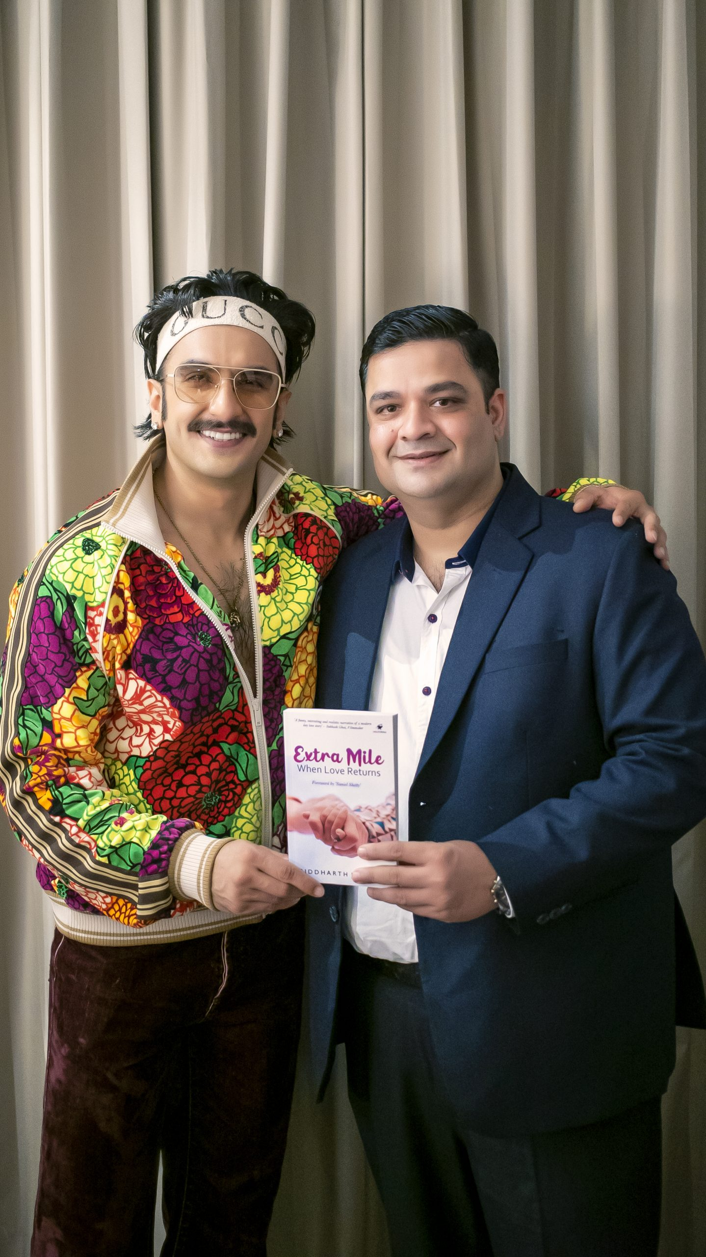 Siddharth Jaiswal, Deputy Commissioner (IRS), Writes a Love Story 'Extra Mile When Love Returns' Launched by Bollywood Actor Ranveer Singh 9