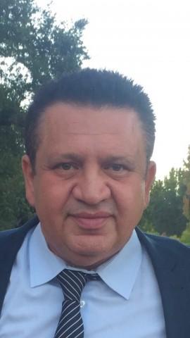 Saleh Shalomi gets Senior Resident Award from Azerbaijan's President 1