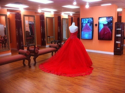 """Get the Most Mesmerizing Wedding Dress from the Leading Bridal Wear Outlet """"Best for Bride"""" 17"""