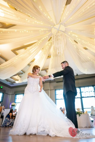 Award-winning professional photographer offers artistic engagement and wedding photography in Dallas 4