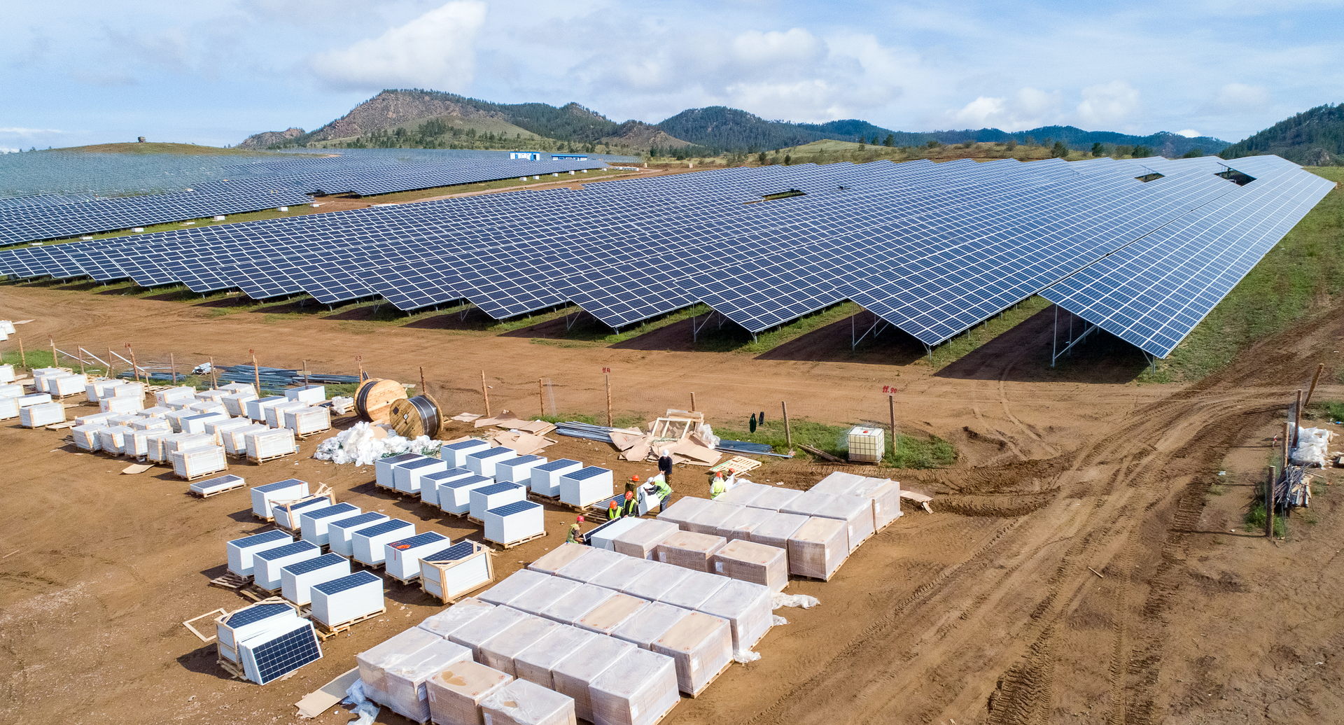 Schneider Electric, Partners Plan $500 Million Package of 100-Plus Microgrid Projects 1